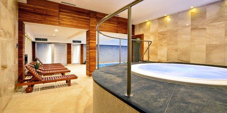 Romantika v privátním wellness: 90 minut v sauně, vířivce a bazénu, případně i sekt či masáž
