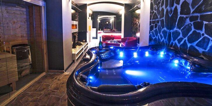 Romantika v privátním wellness: krb, sauna a vířivka na 2 hod. až celou noc