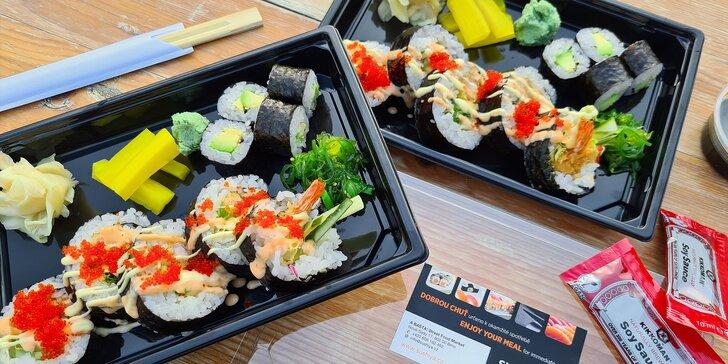 Ve dvou na skvělé sushi: 18 kousků s krevetami i avokádem k odnosu s sebou