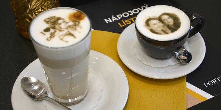 Selfie coffee: latte macchiato nebo cappuccino s vaší fotkou na mléčné pěně