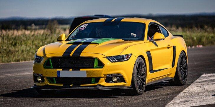 Upravený Ford Mustang GT manuál: 15 až 60 minut řízení