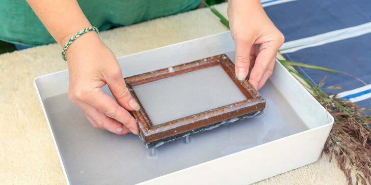 Víkendová návštěva Dílny ručního papíru: exkurze i výroba vlastního papíru