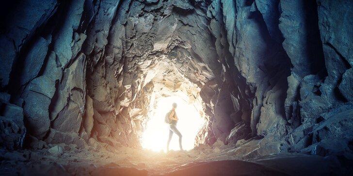 Adrenalinový sestup do tajemných jeskyní a labyrintů Krušných hor