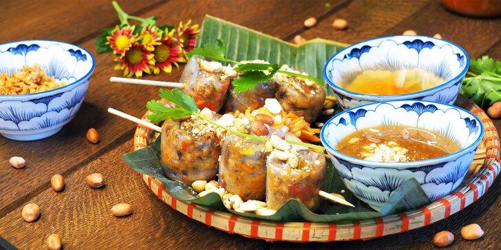 Vietnam pro 1–4 osoby: polévka s tofu a z rosolovky, kari či hovězí s rýží nebo závitky