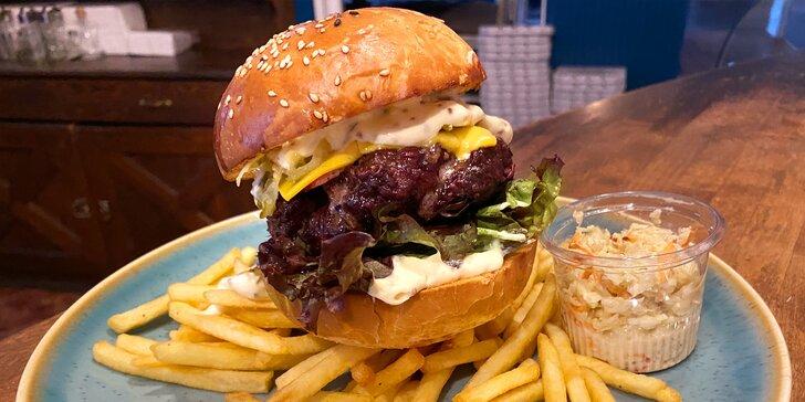 Burger dle výběru z 6 druhů, hranolky a coleslaw pro 1 i 2 osoby