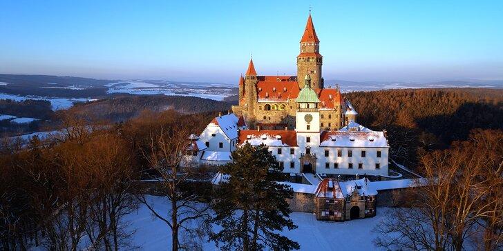 Adventní Olomouc a zimní Bouzov: doprava autobusem, adventní trhy i muzeum
