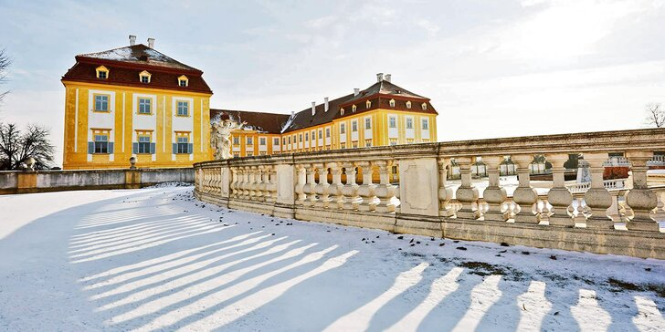 Jednodenní autobusový zájezd do vánočního zámku Schloss Hof a čokoládovny Hauswirth