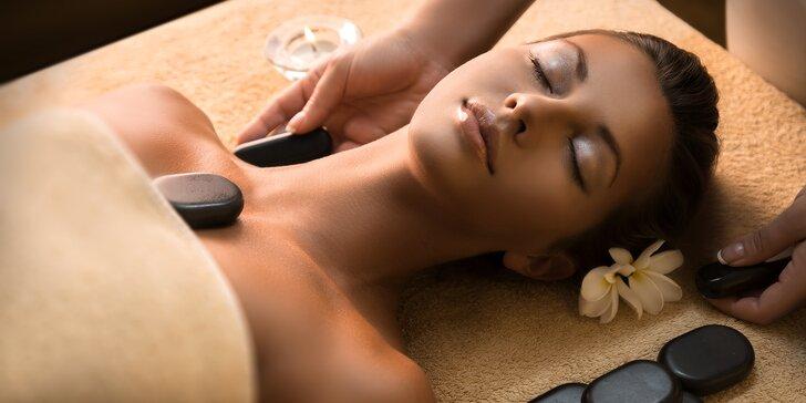 Ideální chvilka odpočinku: jemná relaxační masáž pro dámy a zábal lávovými kameny