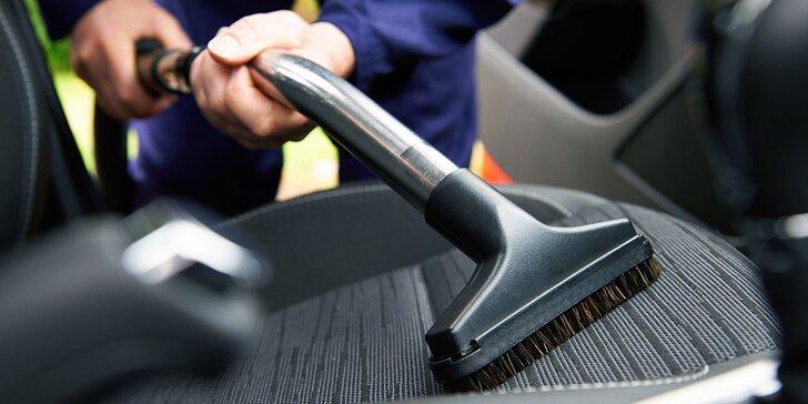 Auto jako nové: Čištění a vysátí interiéru, tepování mokrou cestou, leštění oken