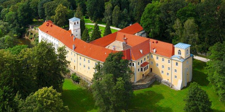 Romantika na zámku: neomezený vstup do wellness, snídaně či polopenze, koncerty