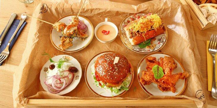 Hody pro dva ve vyhlášené hospůdce U Machů: burger, hot dog, souvlaki, stripsy, hranolky i domácí limonády