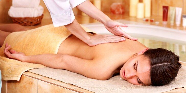 Masáž podle výběru a relaxace ve veřejném wellness pro jednoho