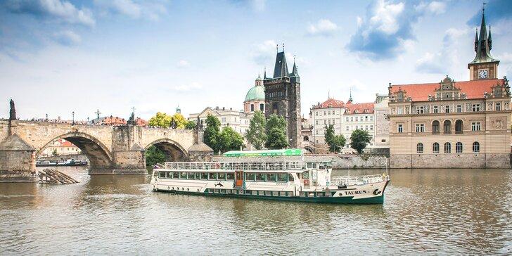 2hodinová plavba po Vltavě s rautem all you can eat - sněz co můžeš pro děti i dospělé