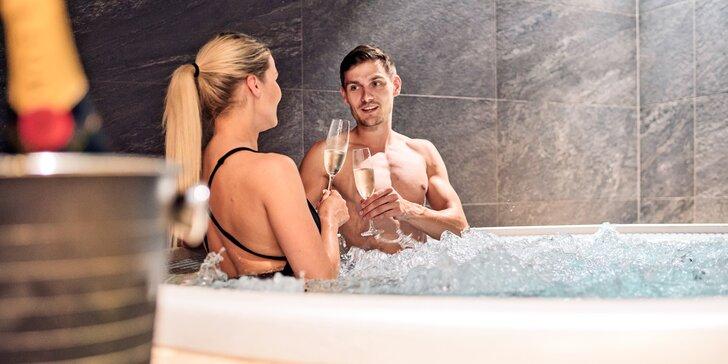 Odpočinek v privátním wellness pro pár: vstup na 2 hodiny, vířivka, sauna