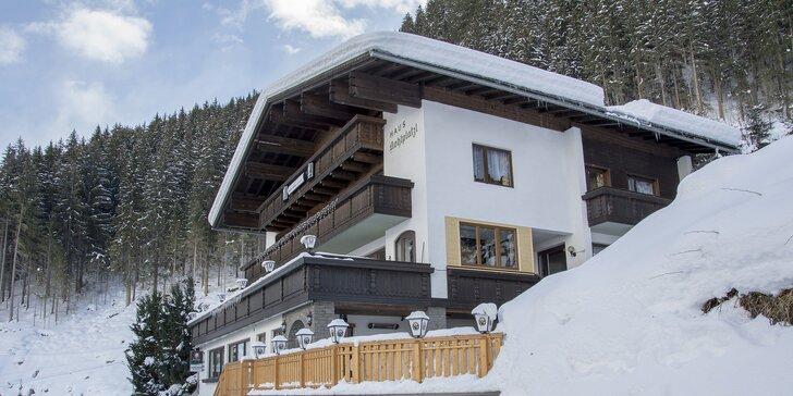Dovolená v přírodě Tyrolských Alp se snídaní či polopenzí a privátním saunou