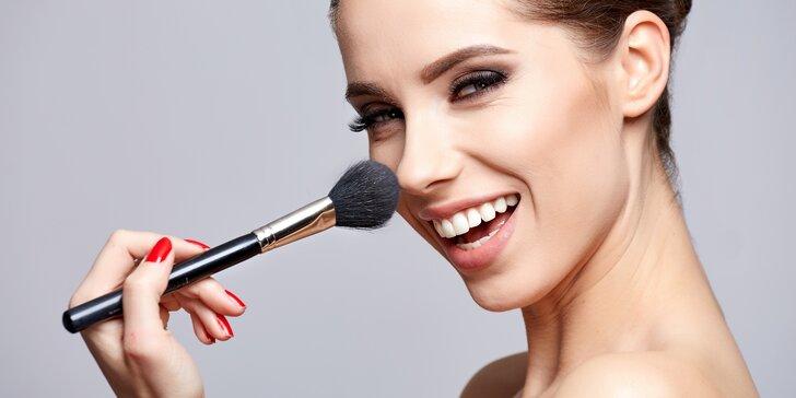 2hodinový kurz líčení s profesionální kosmetikou a zkušenou vizážistkou