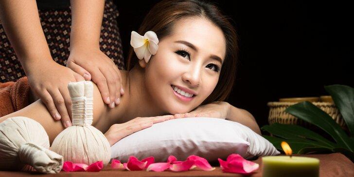90min. vietnamská bylinná masáž prováděná pomocí teplých bylinných sáčků