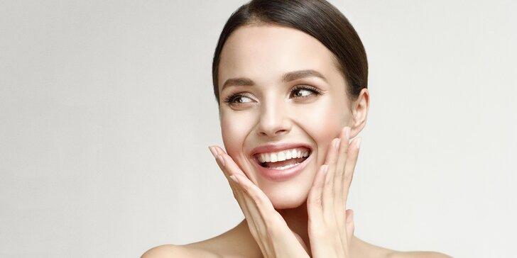 Luxusní kosmetické ošetření pleti s přípravky obsahující mořskou řasu