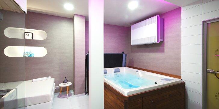 Privátní wellness jen pro vás dva: finská sauna, vířivka a láhev sektu