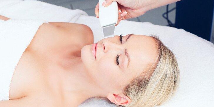 Kosmetické ošetření s ultrazvukovou špachtlí nebo mikrodermabrazí