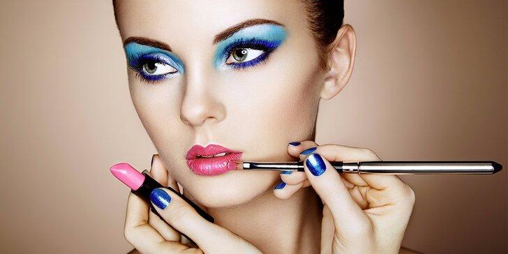 Minikurz líčení až pro 4 osoby i varianta se štětcem na oči či balíčkem kosmetiky