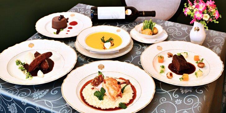 5* menu podle výběru pro dva v Grandhotelu Bohemia: losos, rib eye steak i flambované lívance