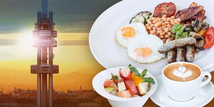 Anglická snídaně v Café Oblaca + vstup do Observatoře na Žižkovské věži
