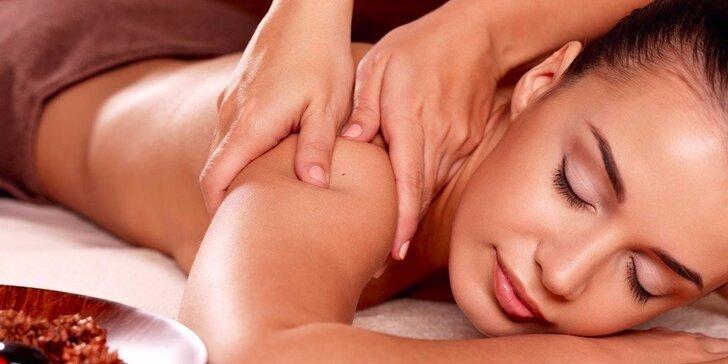 Uvolňující relaxační masáž dle výběru z 30, 60 nebo 90 minut