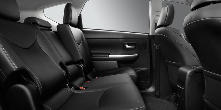 Důkladné čištění interiéru vozidla a sleva na autofólie