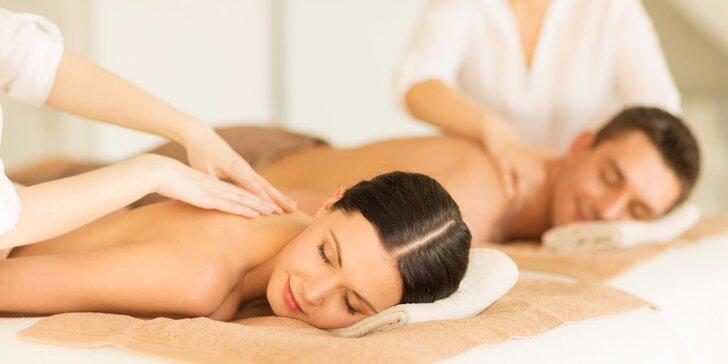 Partnerská masáž při svíčkách - pro páry i kamarádky