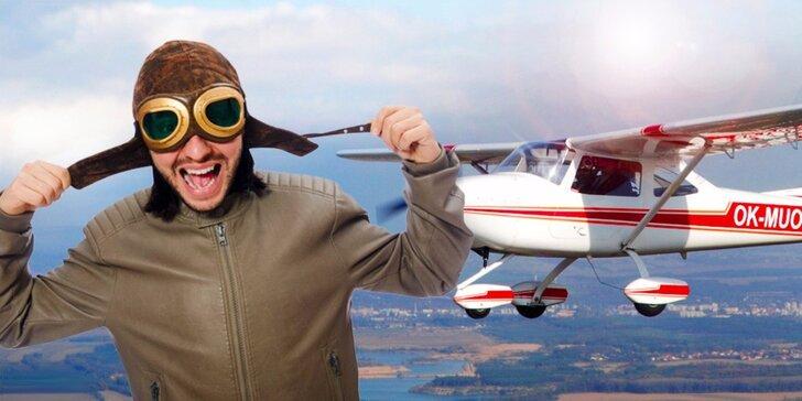 Pilotem na zkoušku a instruktáž - s platností až do března příštího roku