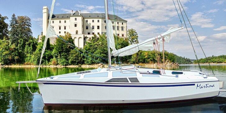 Jachta na Orlíku až pro 4 námořníky na 1-2 dny s možností služeb kapitána