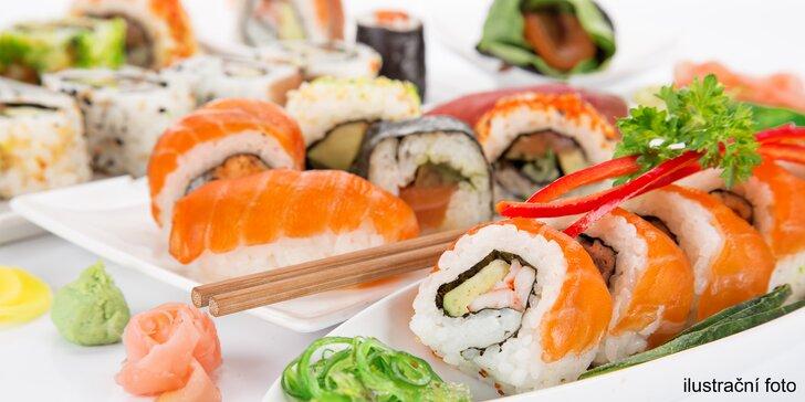 Hodování v japonském stylu: Bohatý sushi set pro více osob