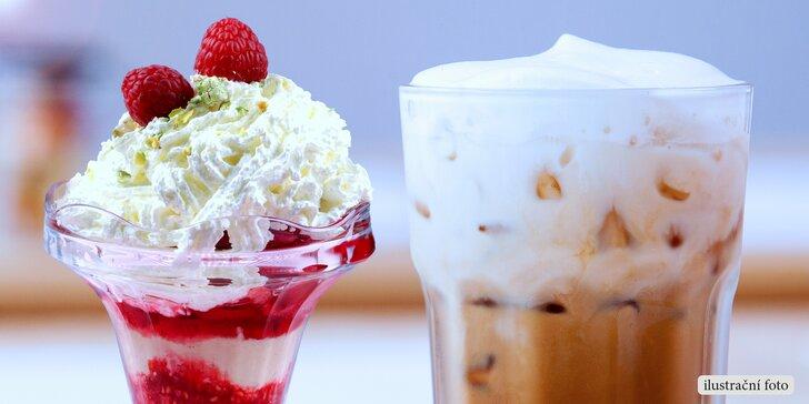 Kavárenská pohoda pro 2: Lahodné frappé a pro mlsné jazýčky horké maliny