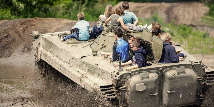 Jízda v bojovém vozidle pěchoty, lanové centrum a laserová střelnice pro 2