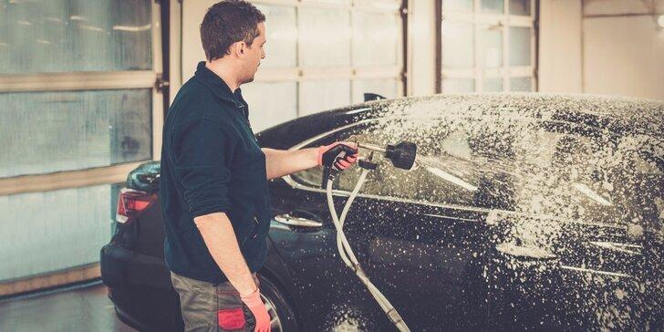 Čištění interiérů osobních vozů – od výfuku až po stěrače