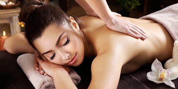 Dopolední masáž dle výběru – odpočiňte si třeba s vůní medu či čokolády