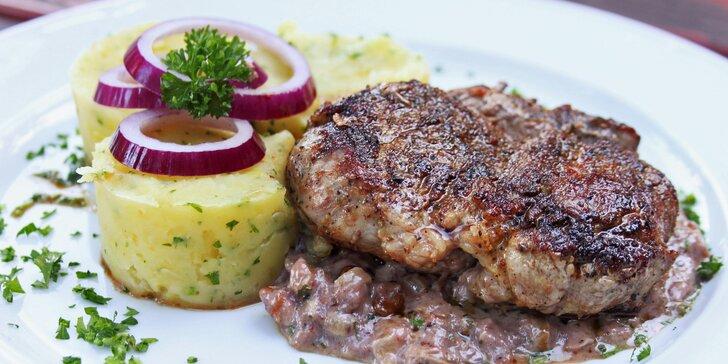 Královská večeře pro dva: Hovězí vývar a steak z panenky s vínem či bez