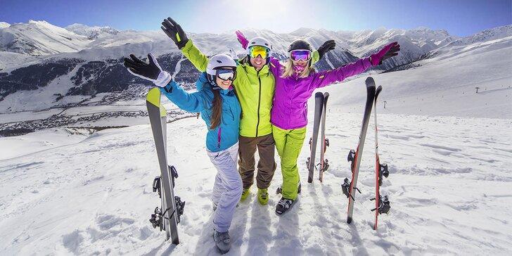 Důkladný a rychlý servis lyží nebo snowboardu pro zimu plnou akce