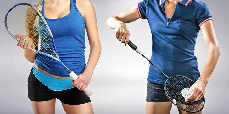 Zahrajte si squash nebo S-badminton: Vstupy vč. zapůjčení vybavení