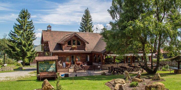 Vzhůru do hor: Fantastický pobyt s polopenzí a saunou u Božího Daru
