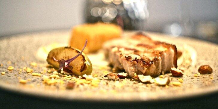 Poznejte nové chutě - famózní degustační menu pro 2 osoby v Černé růži