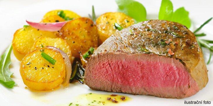 Lahodné vepřové panenky či kuřecí steaky s omáčkami a přílohou