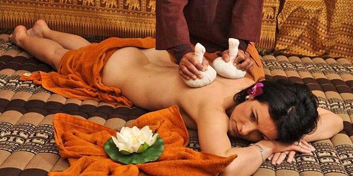 Tradiční, aroma, kokosová i párová thajská masáž v salonu Lotus