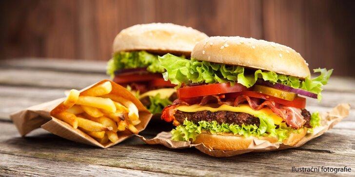 Burgerová hostina se spoustou hranolků pro dva až čtyři jedlíky