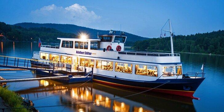 Podzimní Lipno - okružní plavby na palubě výletní lodi
