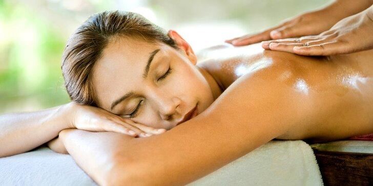 Relaxační masáž arganovým olejem s brusinkami včetně zábalu