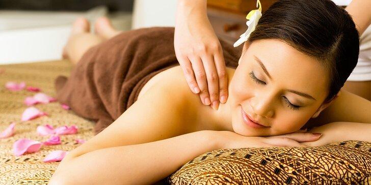 90minutová ayurvédská tělová masáž s napařením v parní lázni