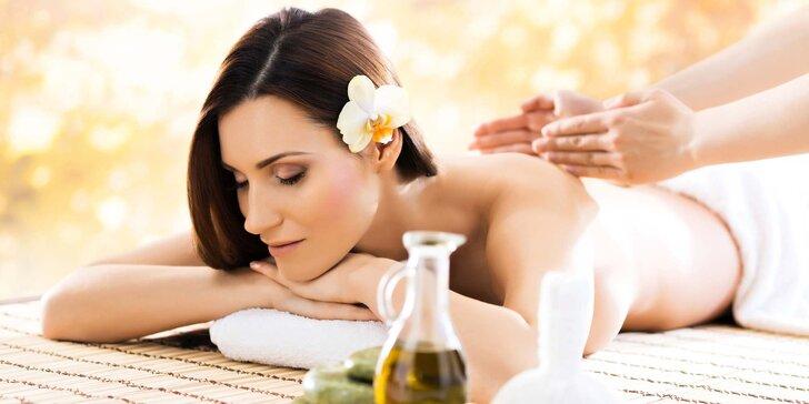 Ajurvédská masáž - 60 nebo 120 minut plných rozkošného hýčkání