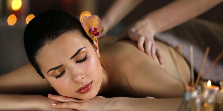 Aromatická masáž olejem ze zeleného čaje v délce 60 minut